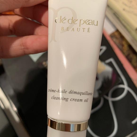 Cle de peau creme cleansing cream oil